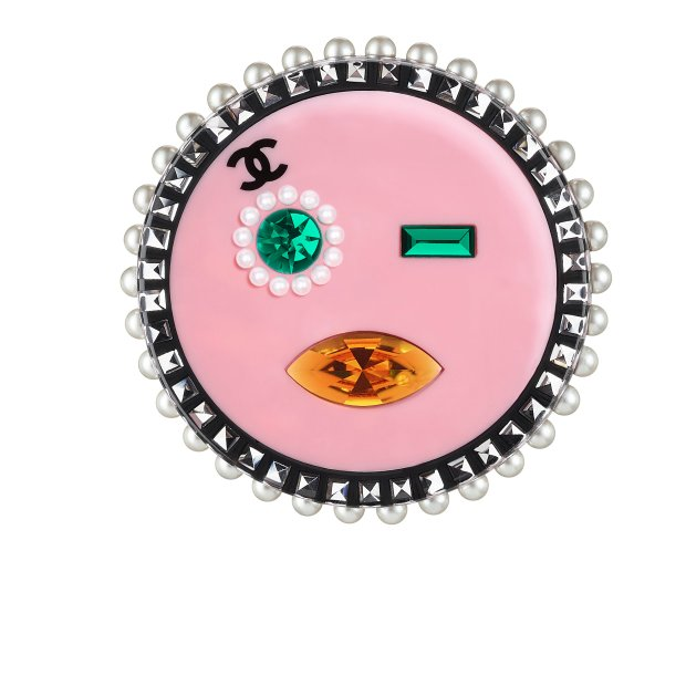 A89334-Y50890-Z3509-Pink resin brooch circled with strass and fantasy pearls_Broche en résine rose cerclée de strass et de perles fantaisie.jpg